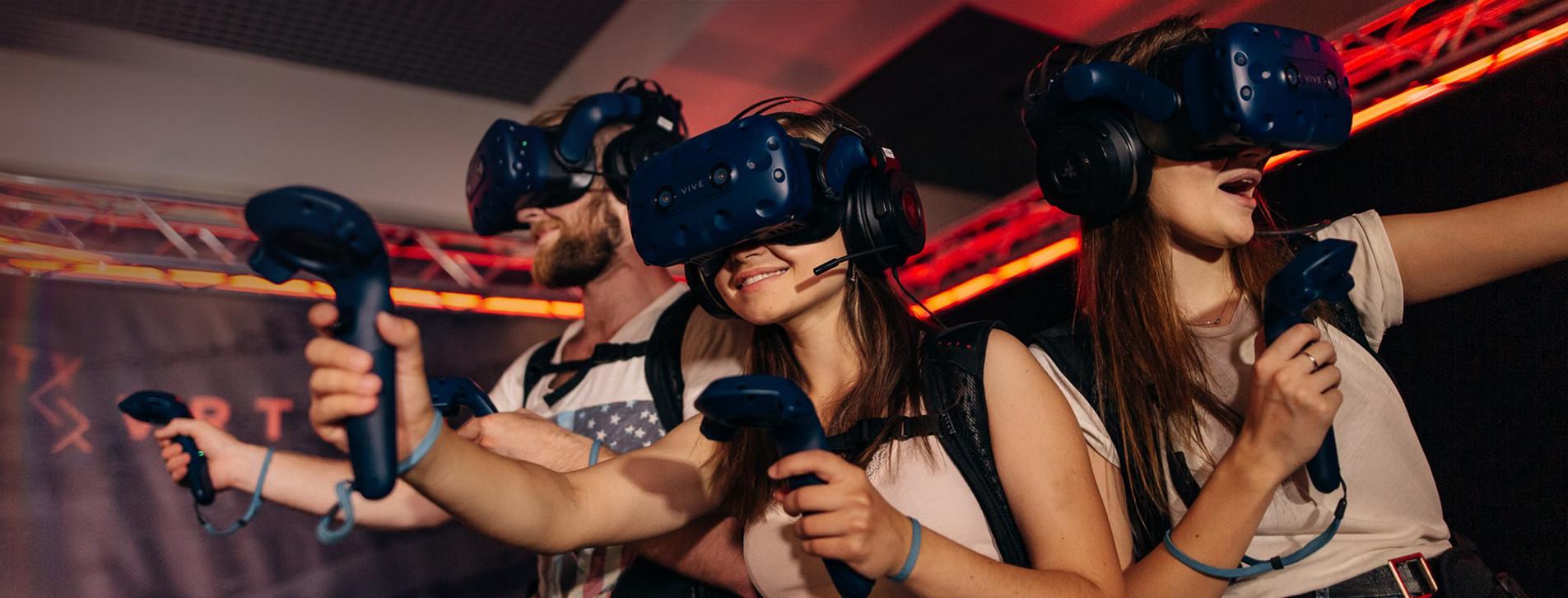 Fotoğraf - Arkadaş Grubu için VR Sanal Gerçeklik Oyunu